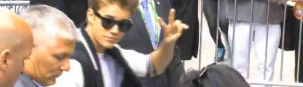 New Video! Justin Beiber Arrives At Tribeca Disruptive Innovation Awards!