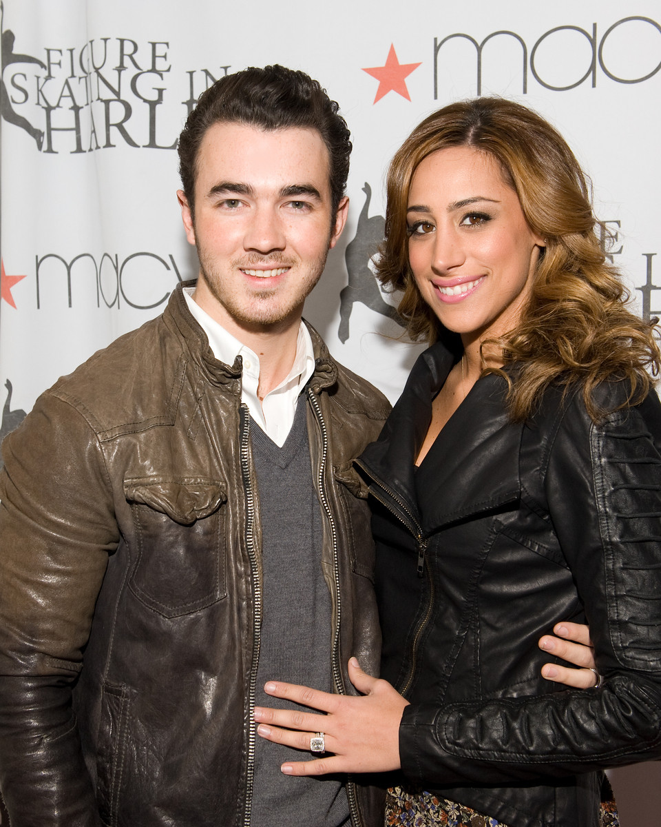 Kevin Jonas And Wife Danielle At Central Parks Wollman Rink For The Skating With The Stars 2012 Gala All Photos Manhattan Society Com By Gregory