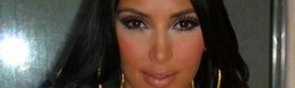 Kim Kardashian Apologizes For Insulting Indian Culture