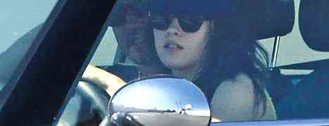 Photo: Kristen Stewart Wore Robert Pattinson's Hat While Out With Married Director Rupert Sanders