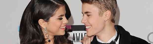 Justin Bieber & Selena Gomez Back On? She Spends The Night At His House