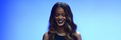 VIDEO: Rihanna At London Fashion Week Talks About Her New Line: 'It's For Sassy Girls Full Of Personality'