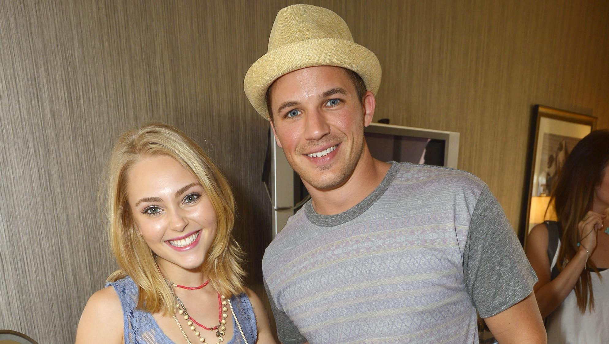AnnaSophia Robb Boyfriend Married Family