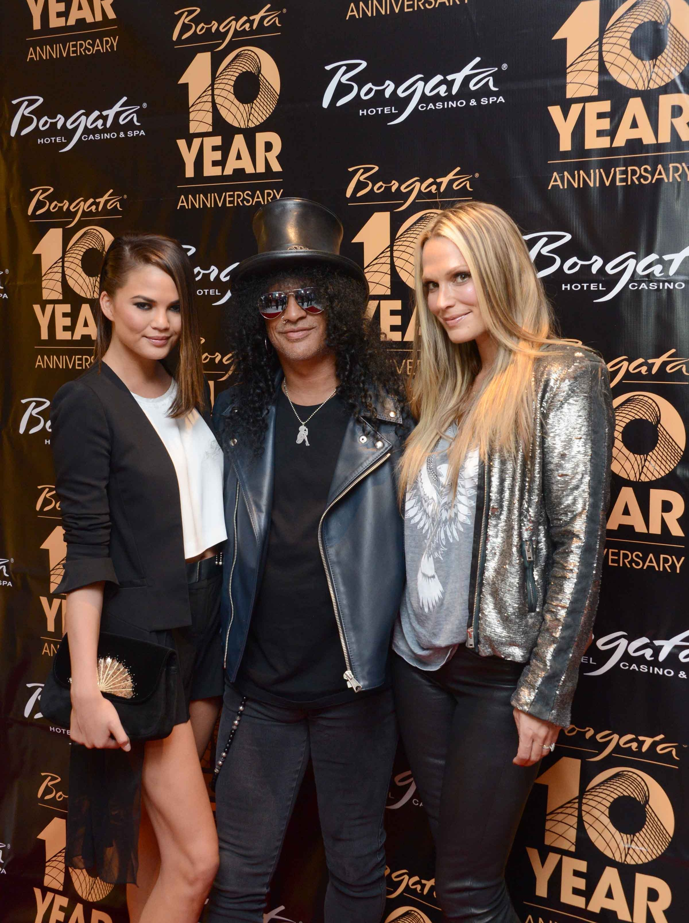 PARTY PHOTOS: Molly Sims, Chrissy Teigen Hang With Slash & The ...
