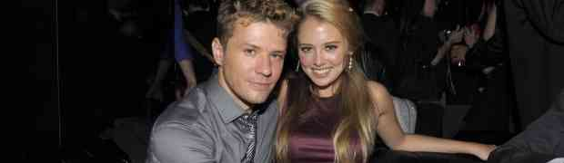 SOURCE: Ryan Phillippe & Paulina Slagter 'Snuggle In A Booth & Order Tequila' At L.A. Nightclub