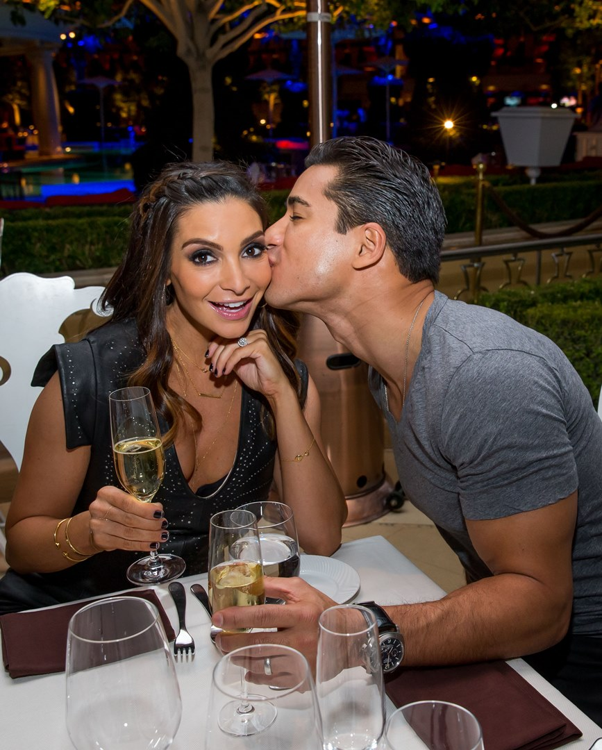 Mario Lopez Plants A Wet One On Wife Courtney Lopez At Botero The Steakhouse At