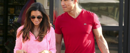 PHOTO: Mario Lopez & Courtney Lopez Make A Grocery Run: On Their Shopping List? Sangria!