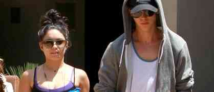 Only On gossipdavid.com: Vanessa Hudgens Kicking Austin Butler's Butt In Brooklyn