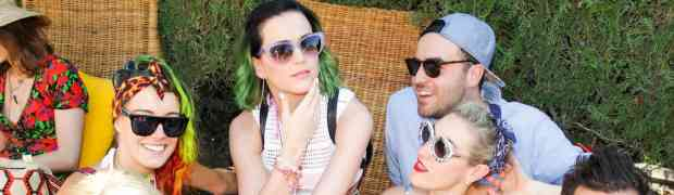 COACHLLA PHOTOS: Katy Perry Hams It Up With Friends At Music Fest...Jennie Garth Makes First-Time Visit To Coachella