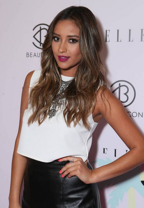 Shay Mitchell attends BeautyCon LA presented by ELLE Magazine in L.A. Aug. 16. (Alex Wyman)
