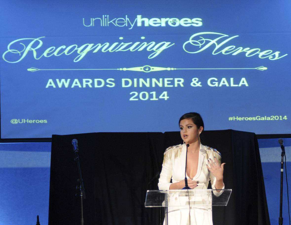 Guest presenter Selena Gomez at the 3rd Annual Unlikely Heroes Awards Dinner and Gala to Benefit Child Victims of Sex Slavery Sponsored by XXIV Karat Sparkling Wines at the Sofitel L.A. in Beverly Hills Nov. 8. (Vivien Best/Getty Images)