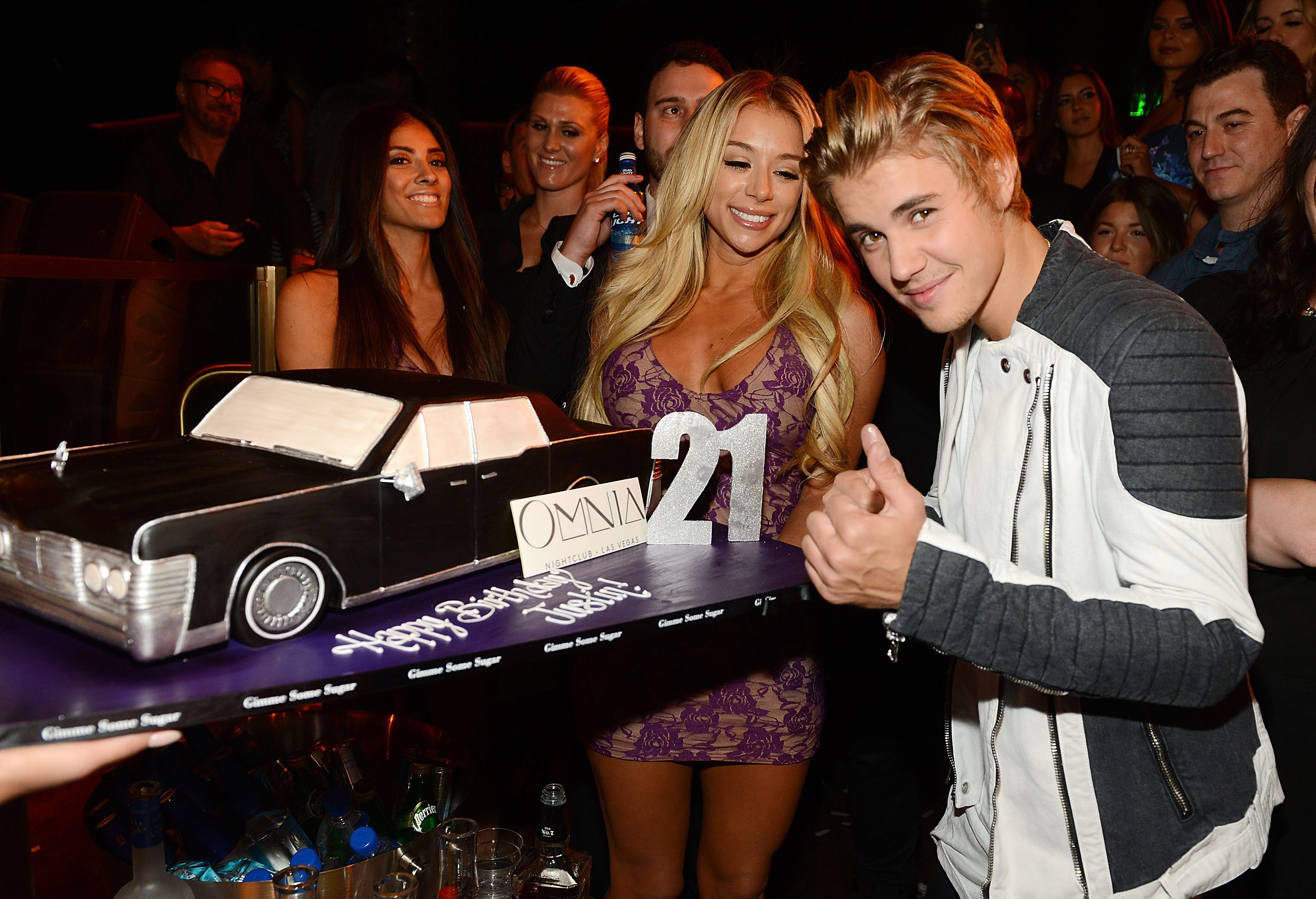 Justin Bieber celebrates his 21st birthday at OMNIA Nightclub, Las Vegas in Caesars Palace on March 14, 2015 in Las Vegas, Nevada.  (Photo by Denise Truscello/WireImage)